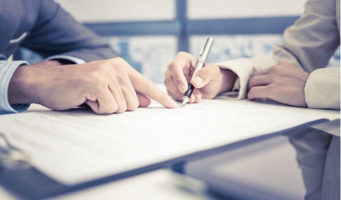 las-clausulas-de-contrato-laboral-a-que-tengo-que-estar-atento