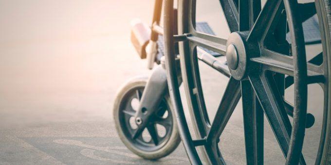 Ayuda a personas con discapacidad